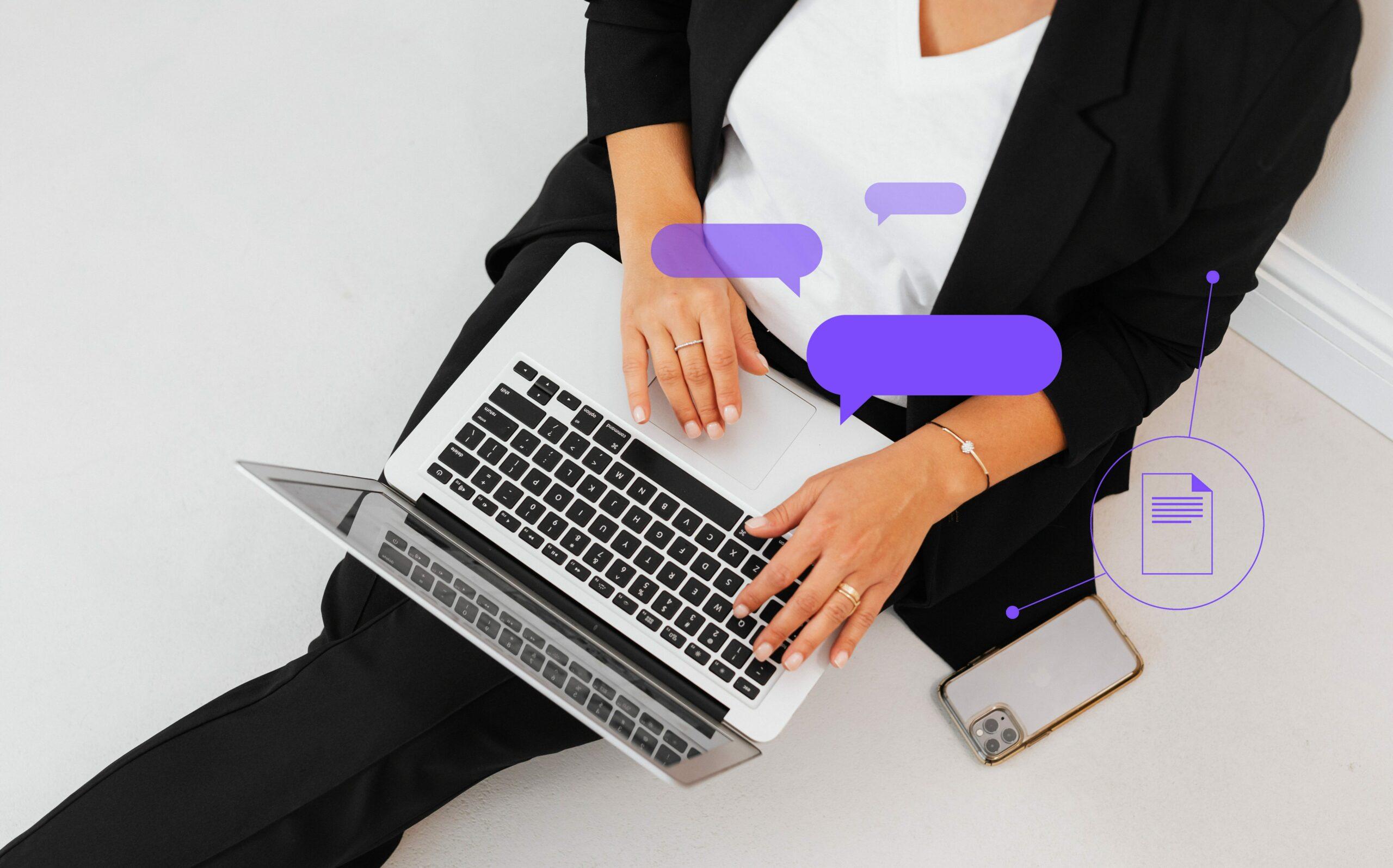 dziewczyna, korespondencja biznesowa przez laptop i telefon